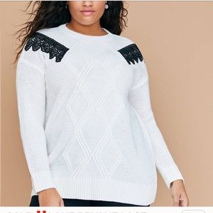 GORGEOUS WHITE BLACK SHOULDER TRIM SWEATER TOP